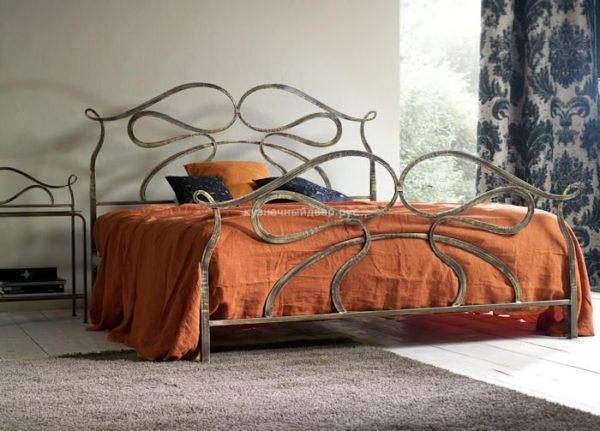 Кровать кованая КГК-3