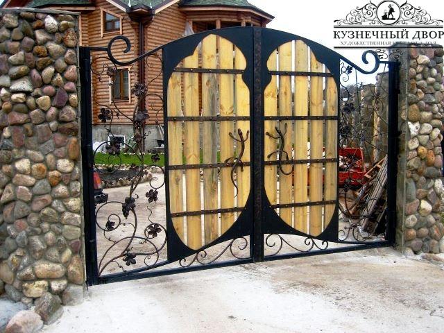 Кованые ворота в Геленджике