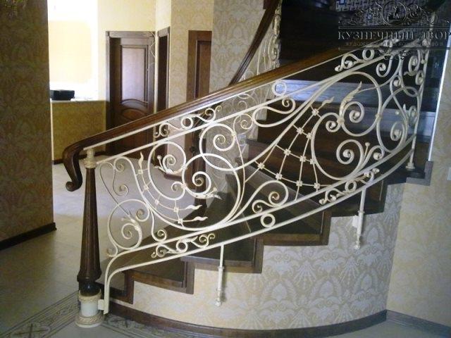 Кованые перила и лестницы Туапсе