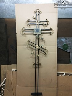 Крест кованый -9