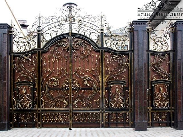 Кованые ворота в Горячем ключе