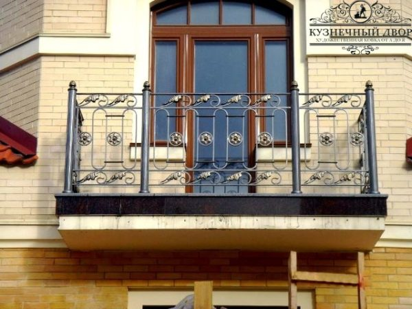Балкон кованый БГК-52