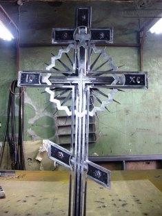 Крест кованый-17