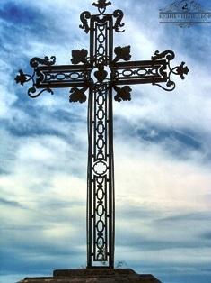 Крест кованый-25